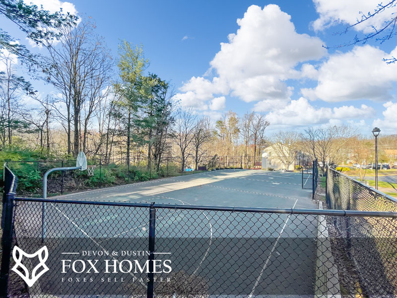 Heritage Crossing community basketball courts amenities