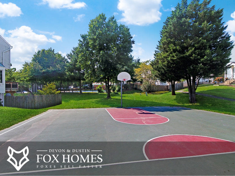 Singletons Grove Centreville Basketball courts