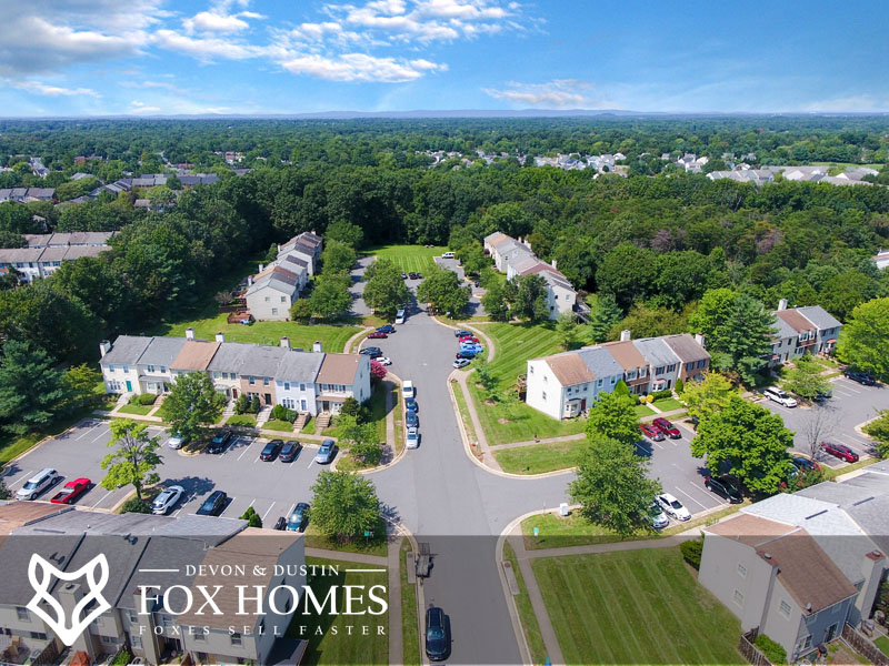 Stonehenge va real estate