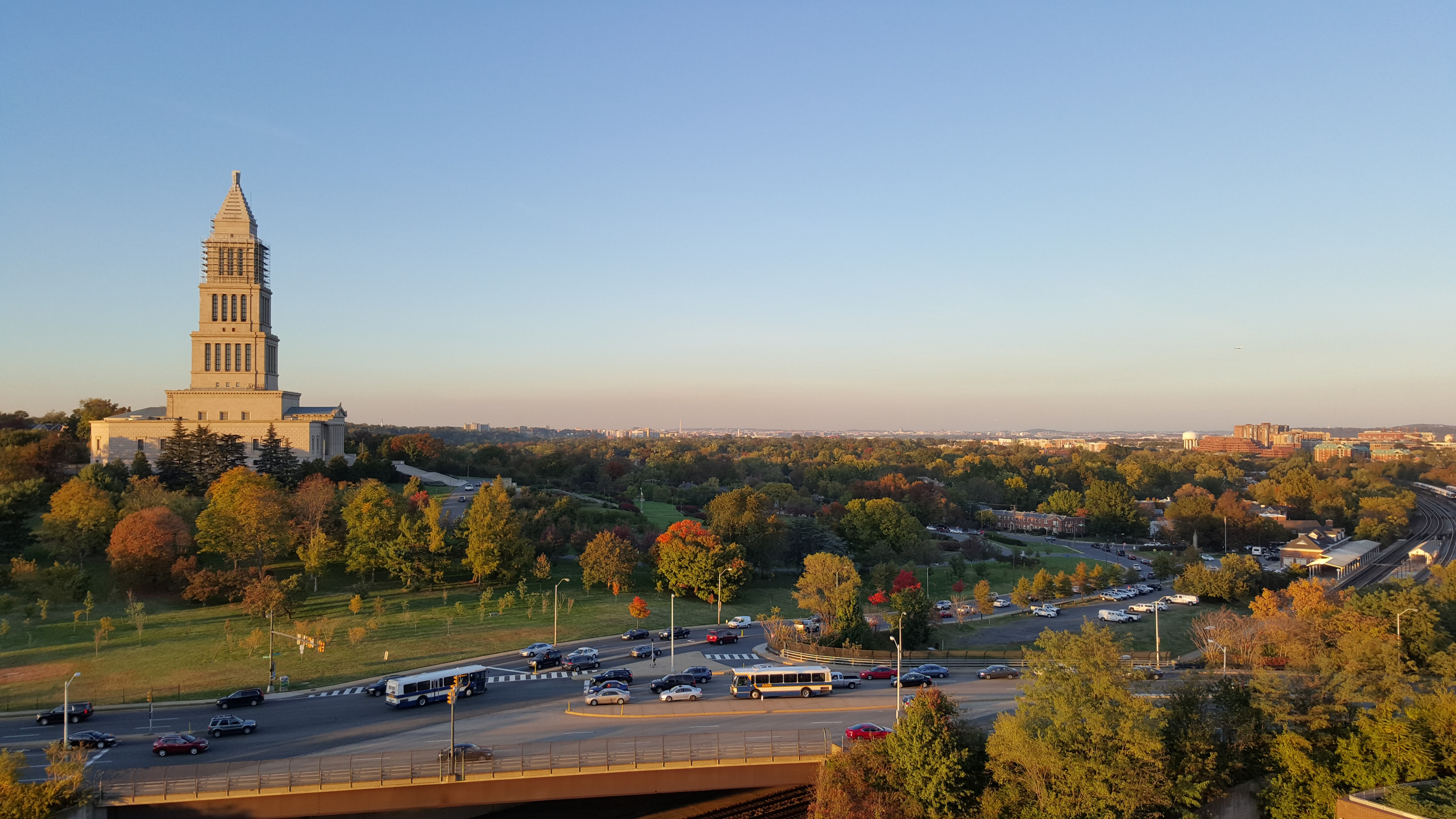 The George Washington Masonic National Memorial in 2015, with Washington, D.C. and Arlington in the distance