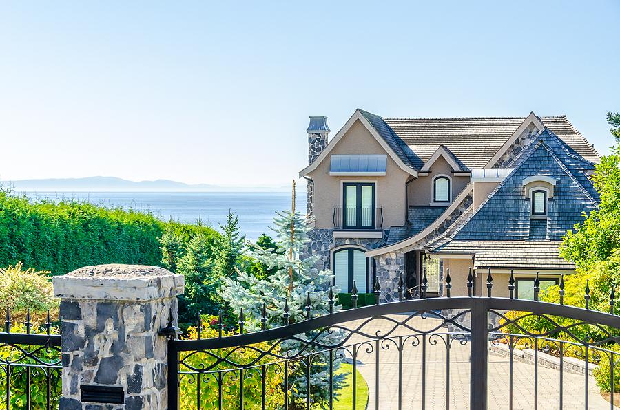 Luxury Real Estate Market Canada