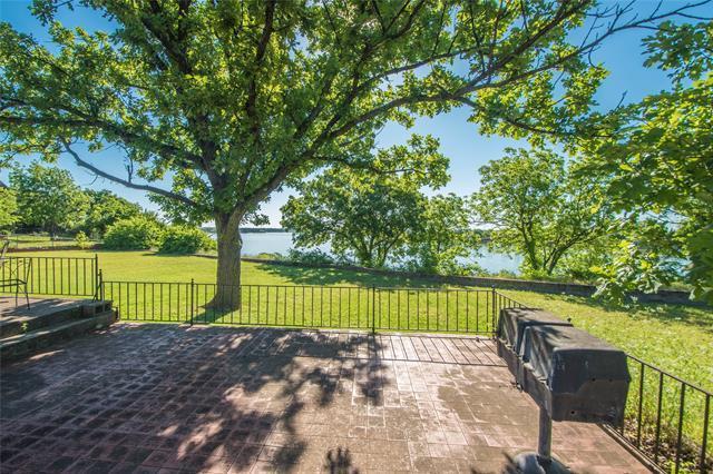 Acreage and 200 Ft of Lakefront Property on Lake Granbury