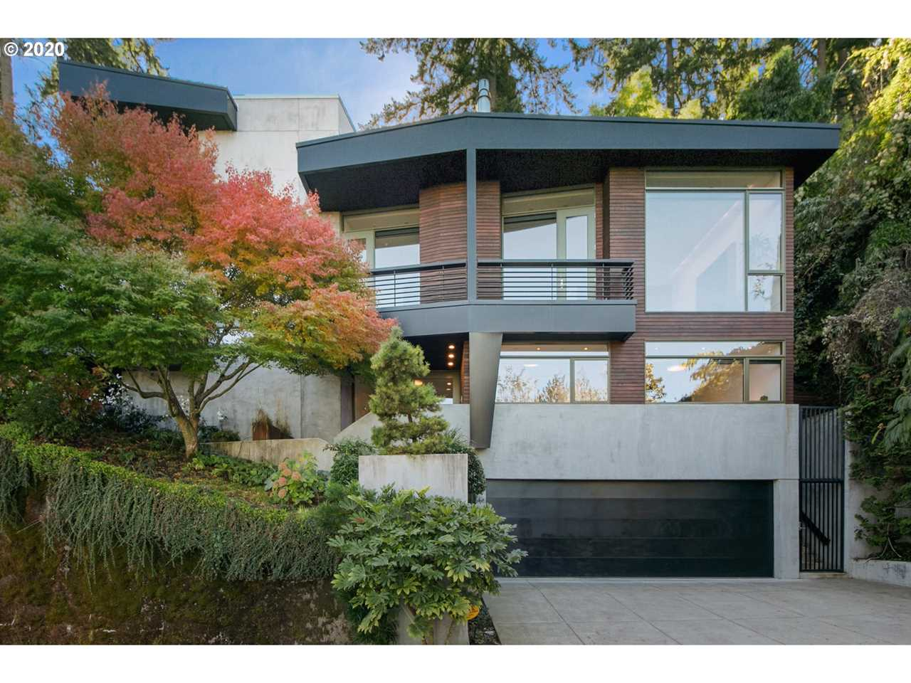 Luxury property in Portland for Sale