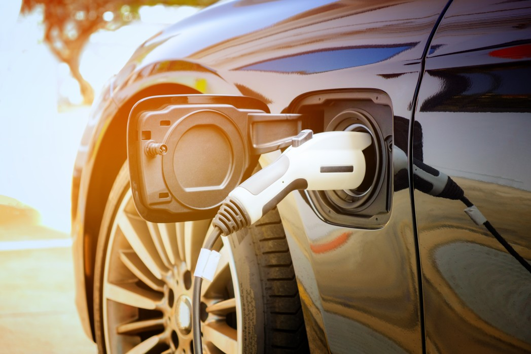 Virginia Implements EV Right to Charge Law for HOAs