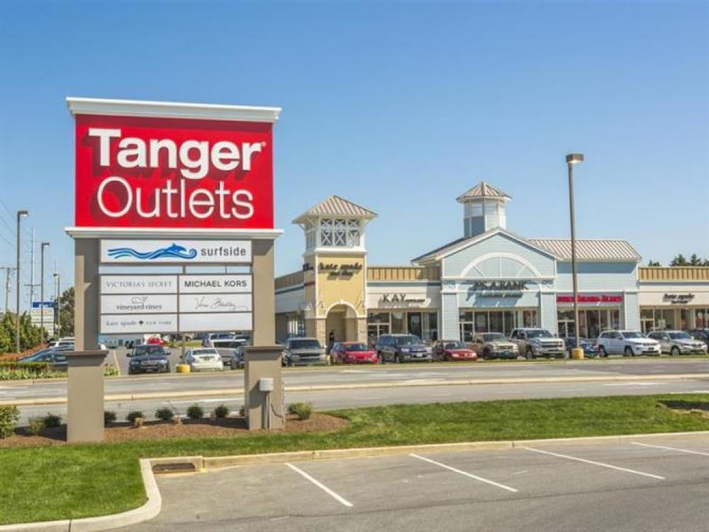 Tanger Outlets Sign