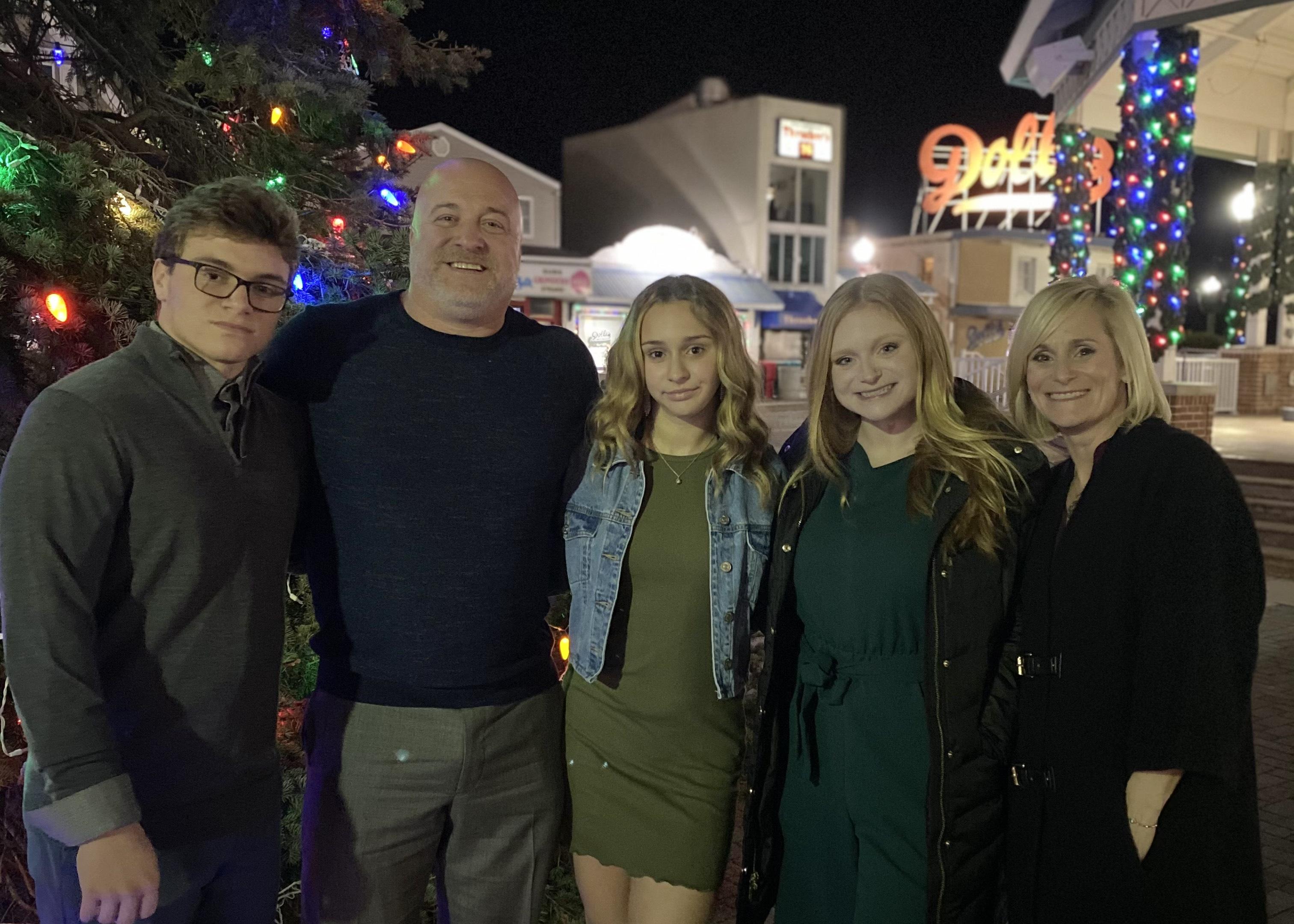 Jennifer Elphick and Family