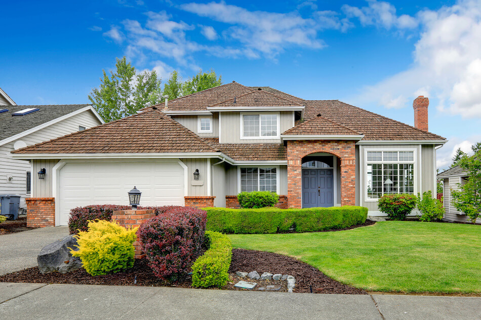 9 Curb Appeal Tips: Why Curb Appeal is Vital to Selling Your Home