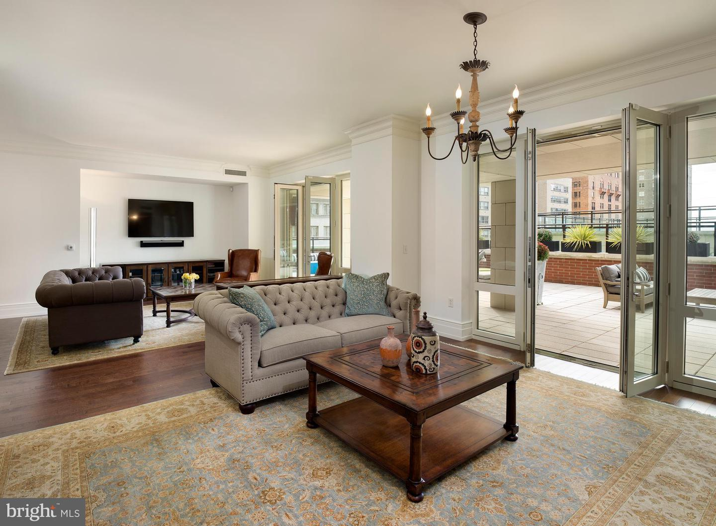 10 Rittenhouse Condominiums