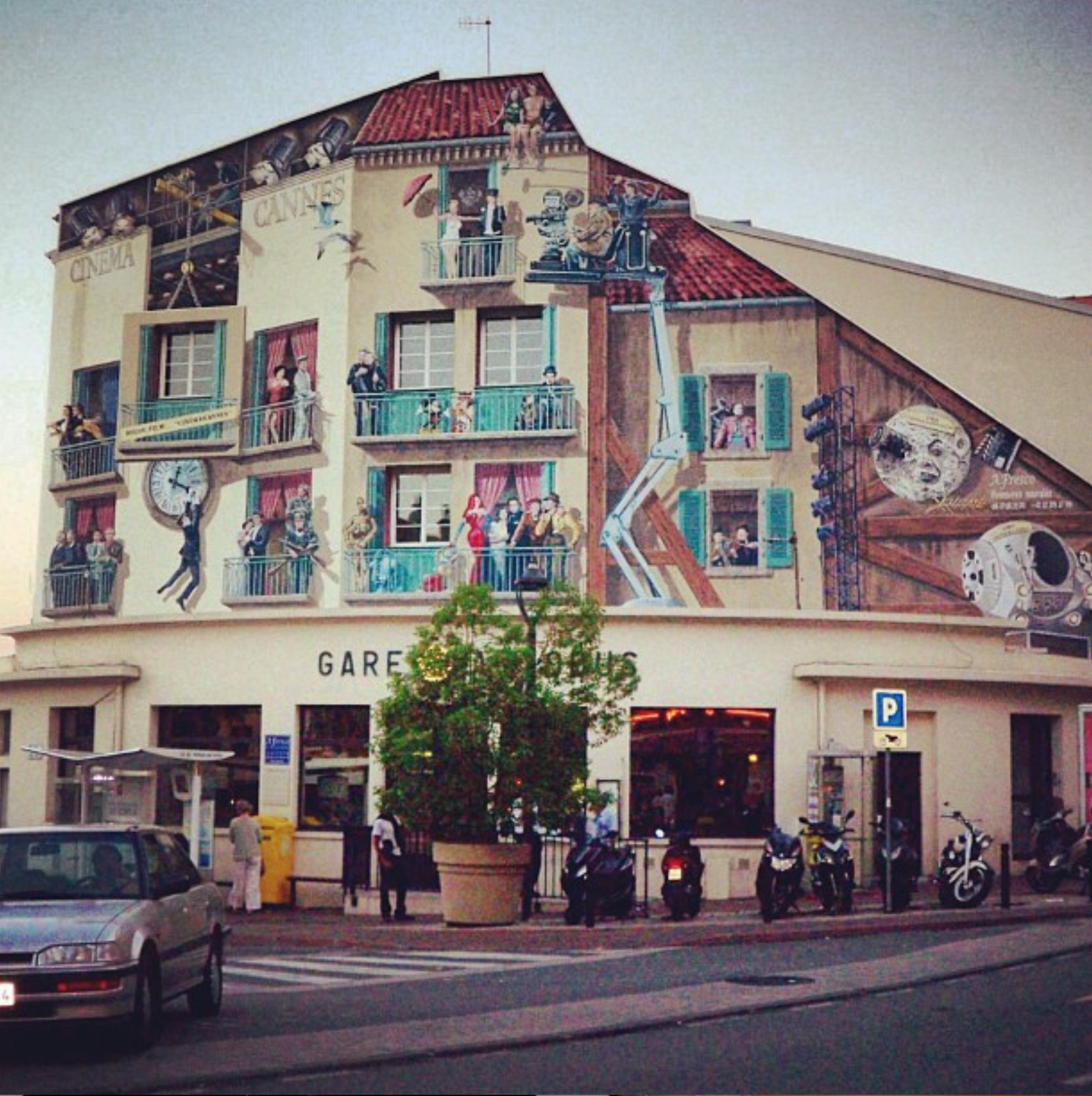 cannes cinema, the famous painted building in france
