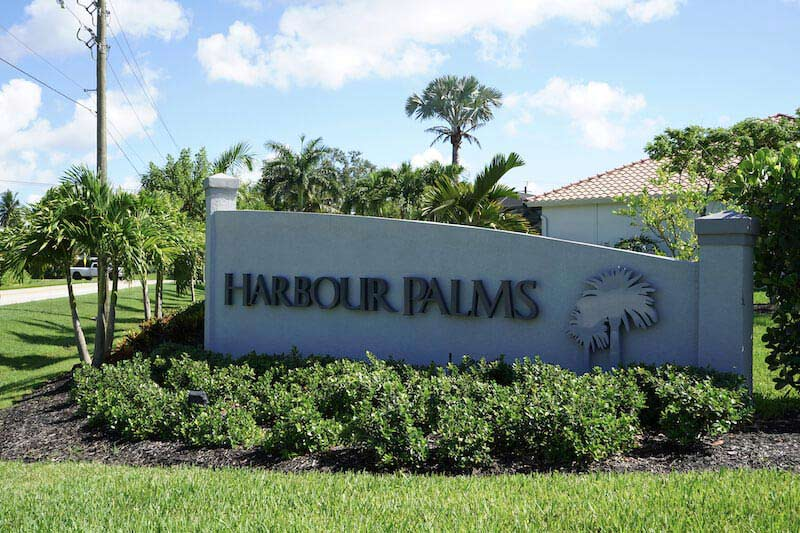 Harbour Palms Neighborhood Sign in Fort Myers, Florida