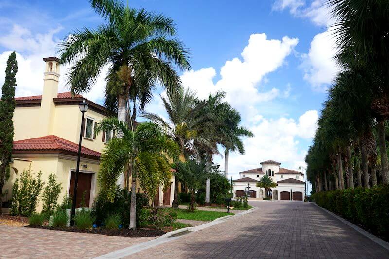 Palms of McGregor Neighborhood Real Estate in Fort Myer, Florida
