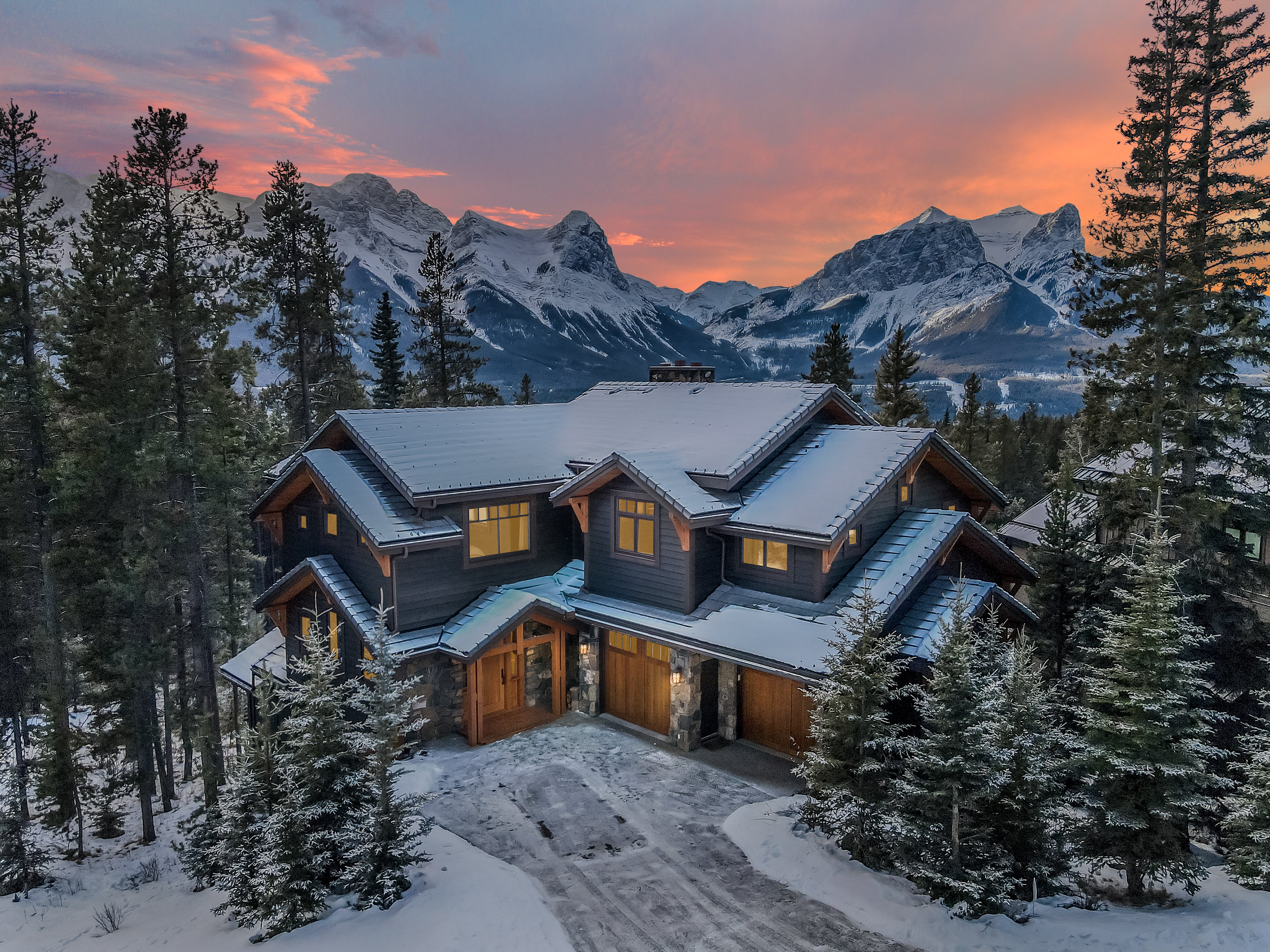 Opulent Home at 865 Silvertip Heights