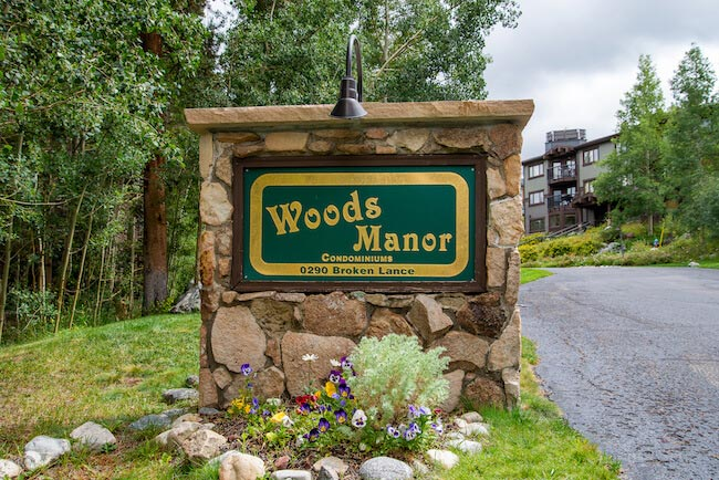 Woods Manor Condos, Breckenridge, Sign