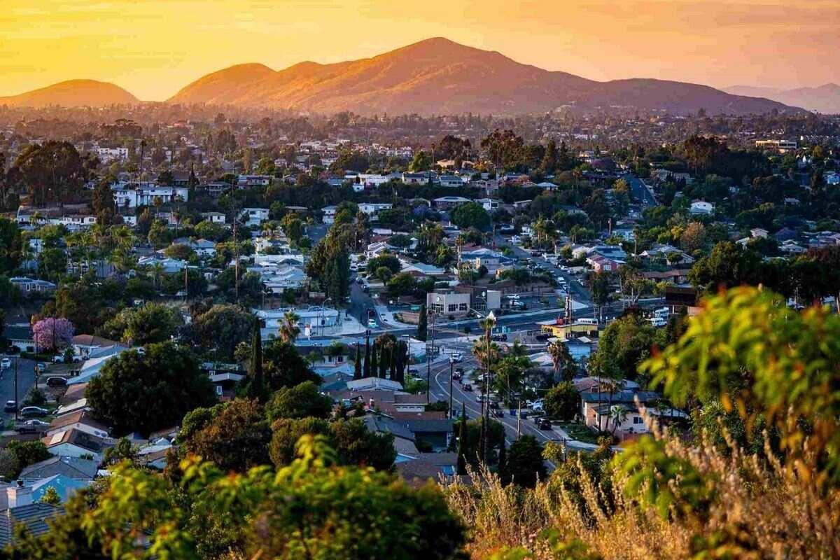 San Diego's Ten Best Places to Live - La Mesa