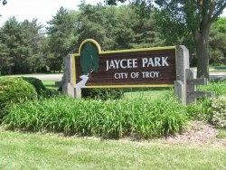 Entrance to Jaycee Park