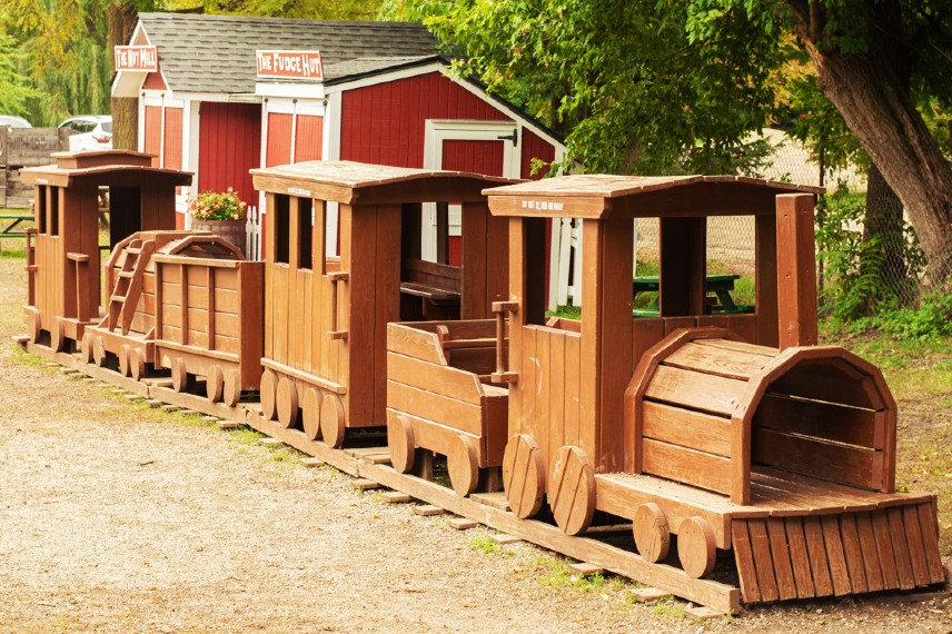 Kid's wooden train at Wiards Orchards Cider Mill
