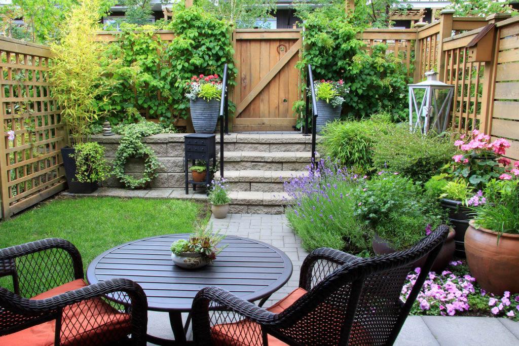 A beautiful backyard garden