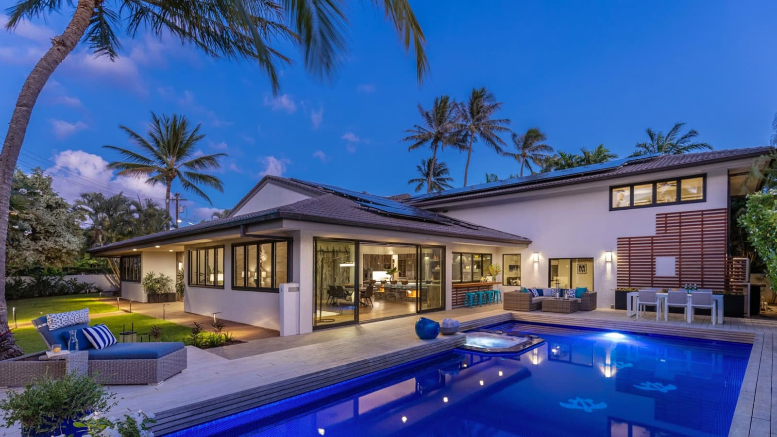 Oahu Property With Pool