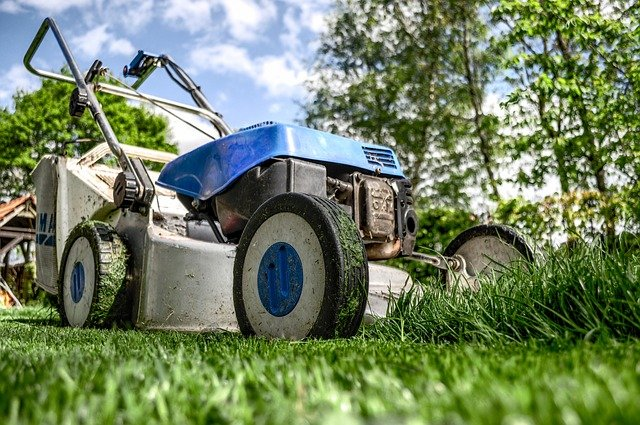 A well-maintained yard has a huge impact on how your home looks.