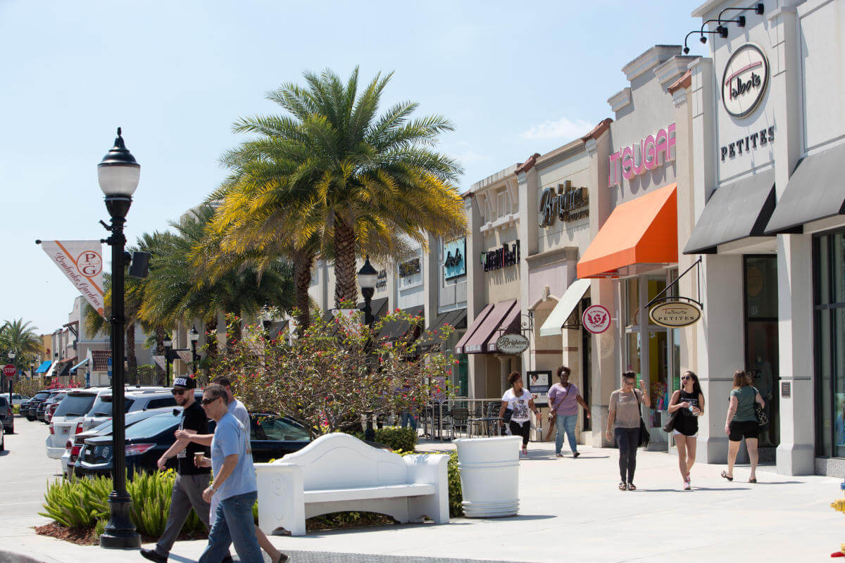 Pembroke Pines, Florida Shopping Area