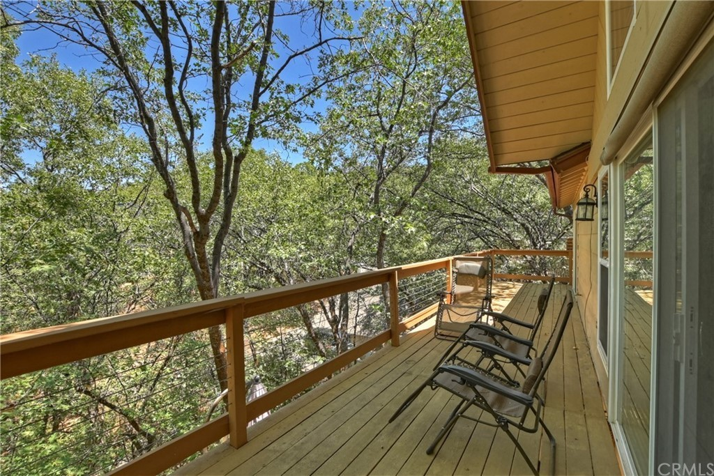 1308 Sequoia Dr, Lake Arrowhead, CA 92352