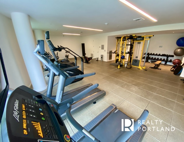 The fitness center at the Cosmopolitan Condos of Portland