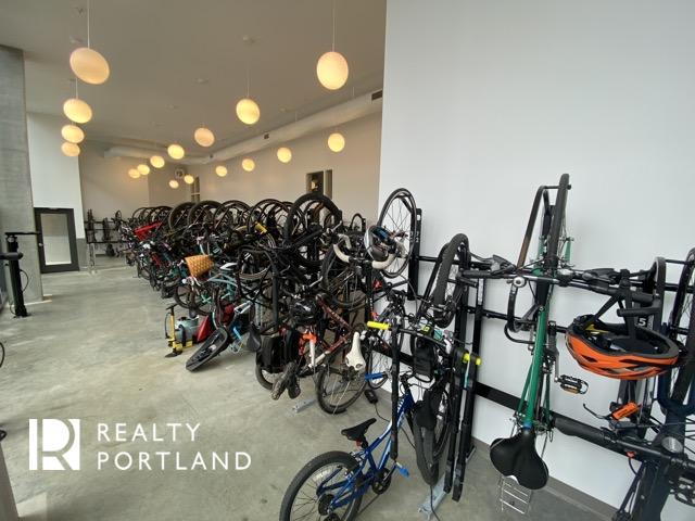 Vista Condos Bike Room
