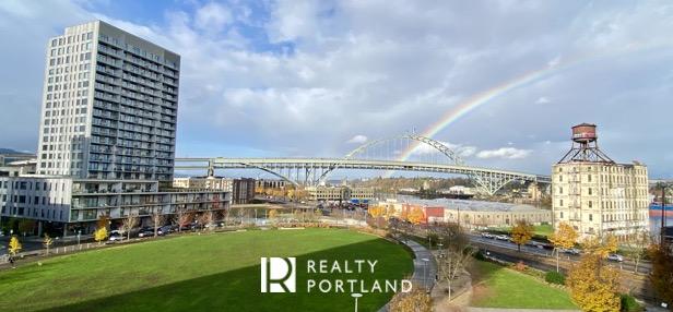 Vista Condos in Portland with Rainbow