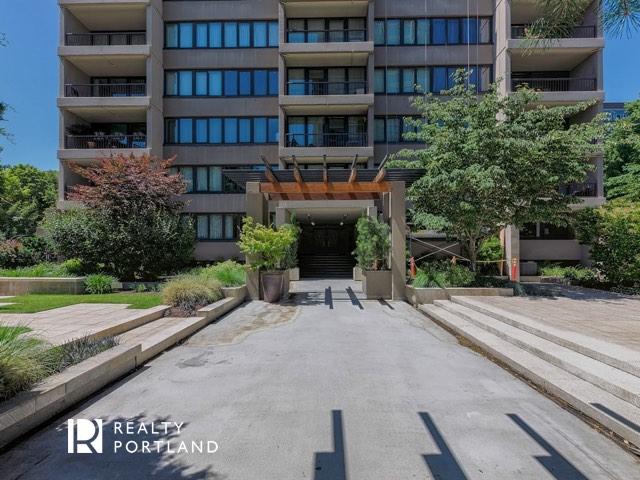 Harrison Condos Courtyard