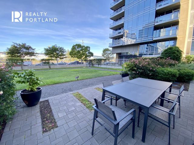 Meriwether Condos Landscaping