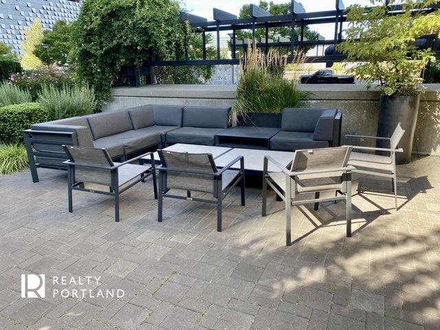 Meriwether Condos Outdoor Lounge