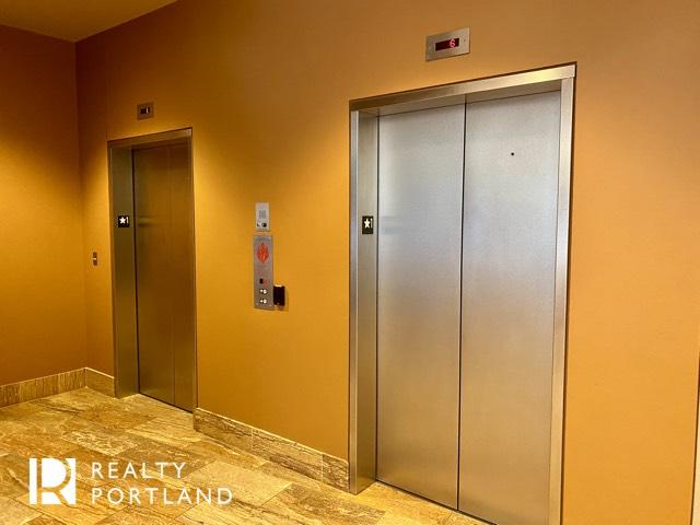 Park Place elevators