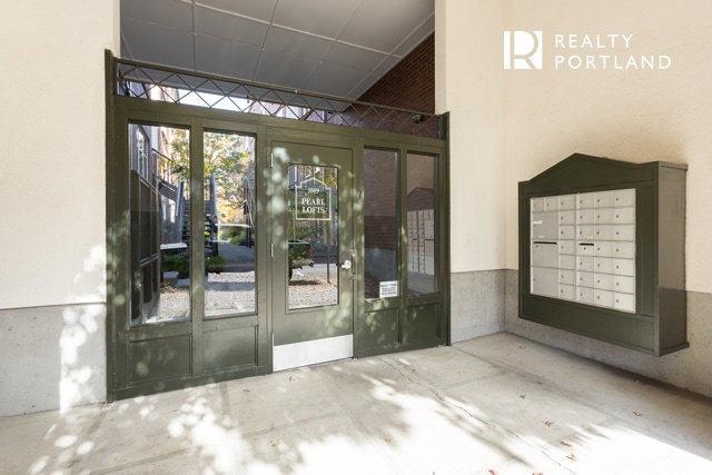 Pearl Lofts Entrance