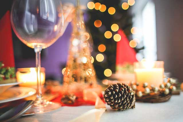 Staging your home for the holidays in order to sell