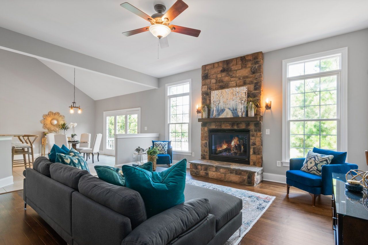 4 Home Staging Ideas That Are Heavy on the