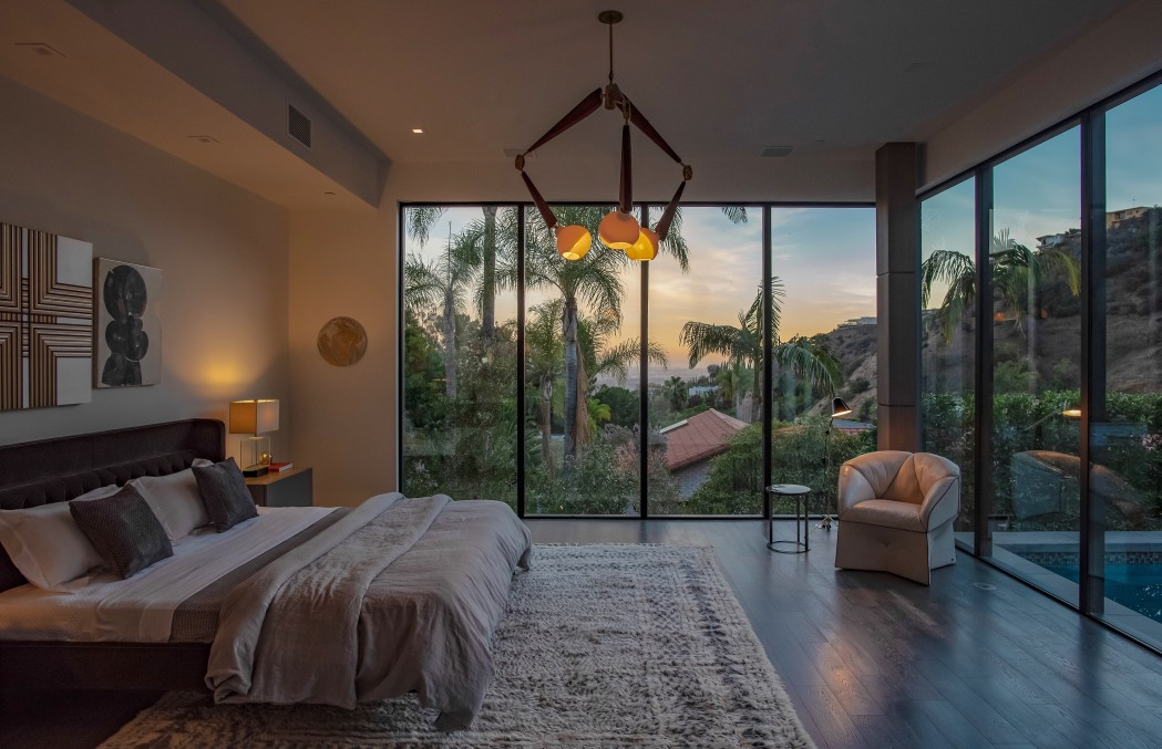 Luxury Lease Property in Hollywood