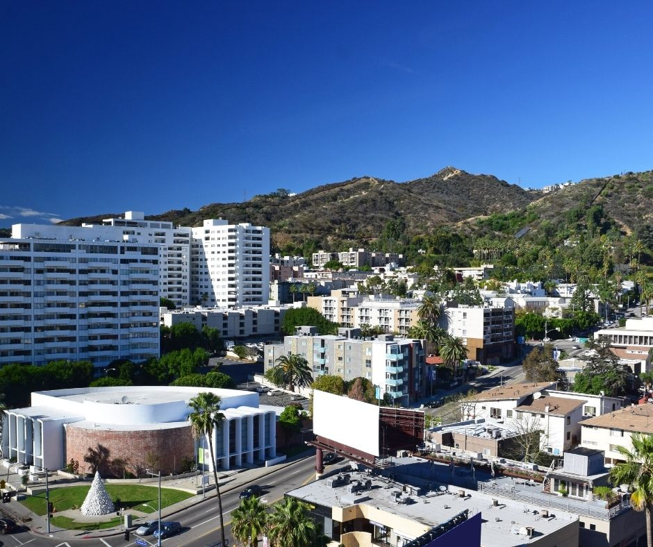 Moving to Hollywood Hills? Hollywood Hills Buyers Guide