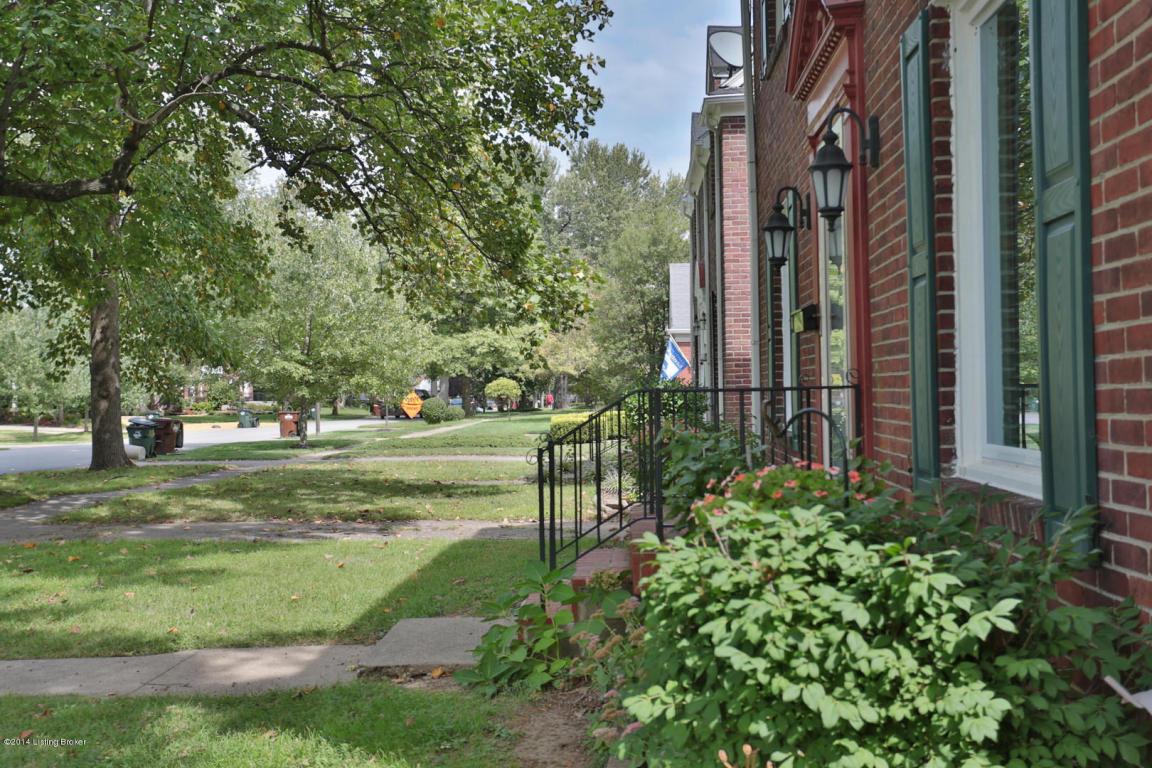 3406 Hycliffe Ave Louisville, KY 40207 Street
