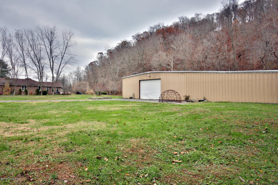 5822 Knob Creek Rd Brooks, KY 40109