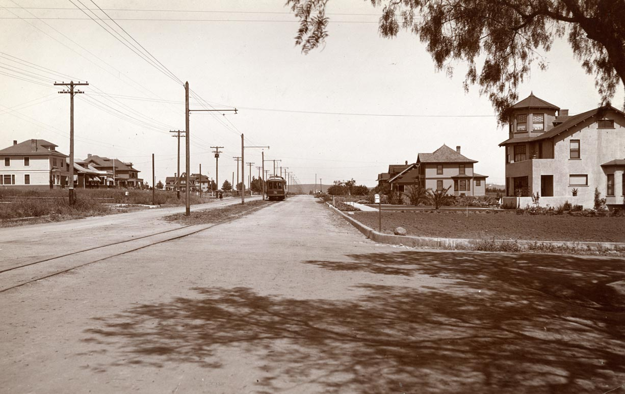 1900 Hollywood Blvd. Photo