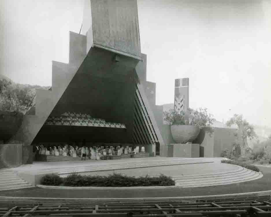 Vintage photo of Hollywood Bowl's first shell