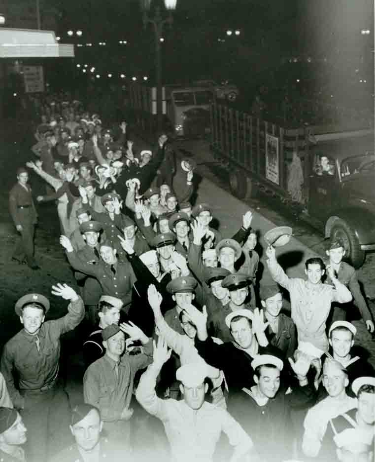 Old photo of the Hollywood Canteen photographs