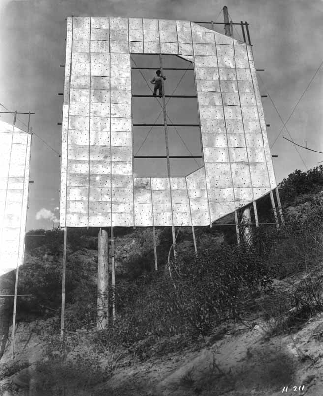 Photo of letter D in Hollywood Sign