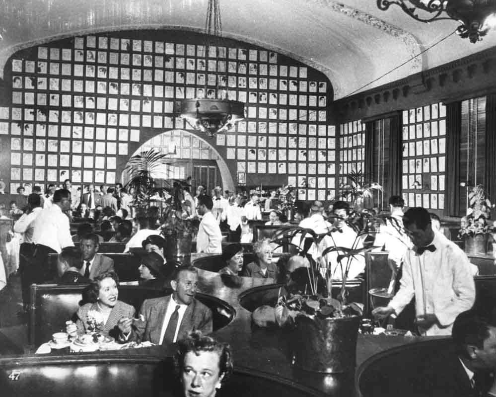 Interior photo of the Brown Derby restaurant
