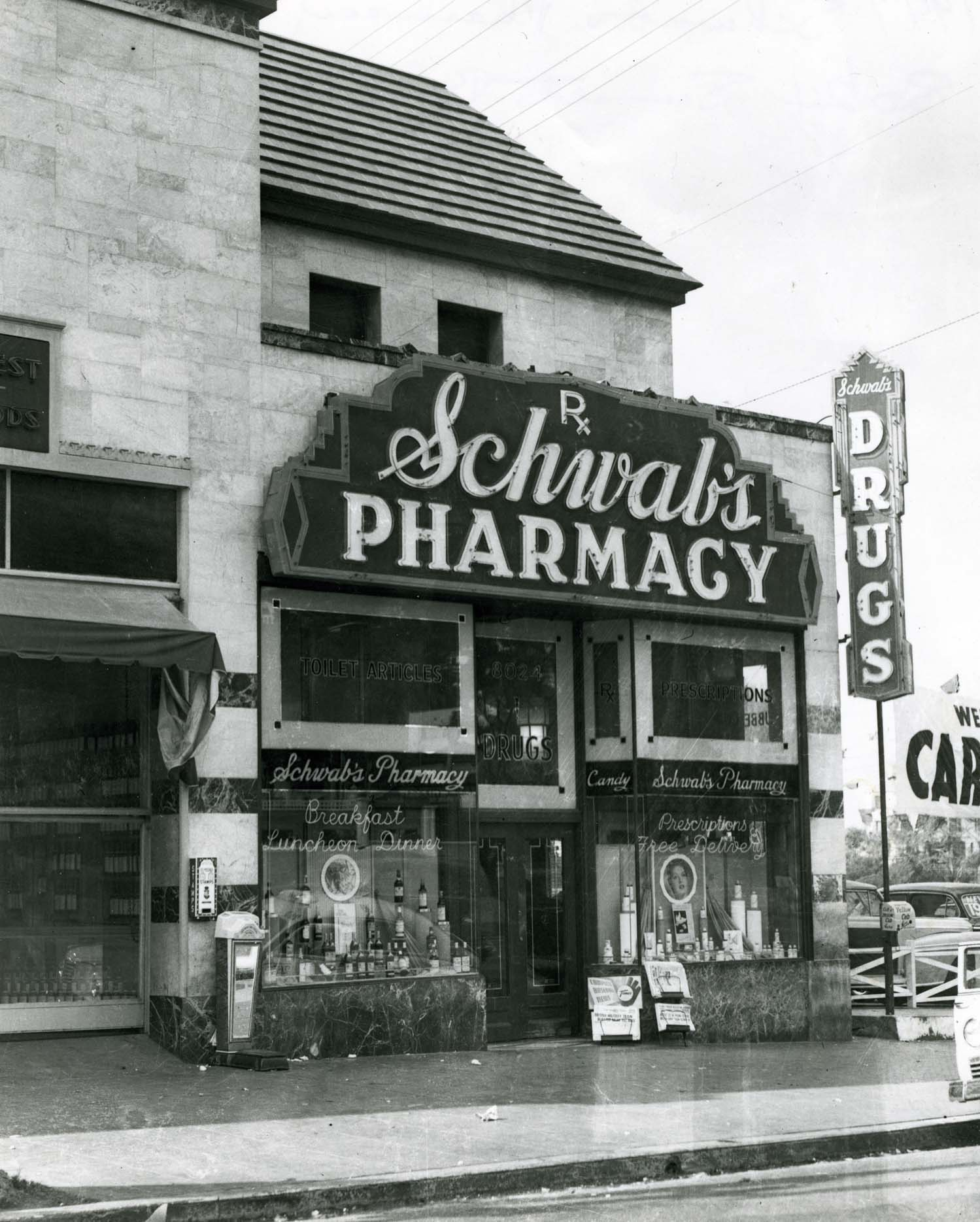 1945 Old photo of Schwab's Pharmacy exterior.