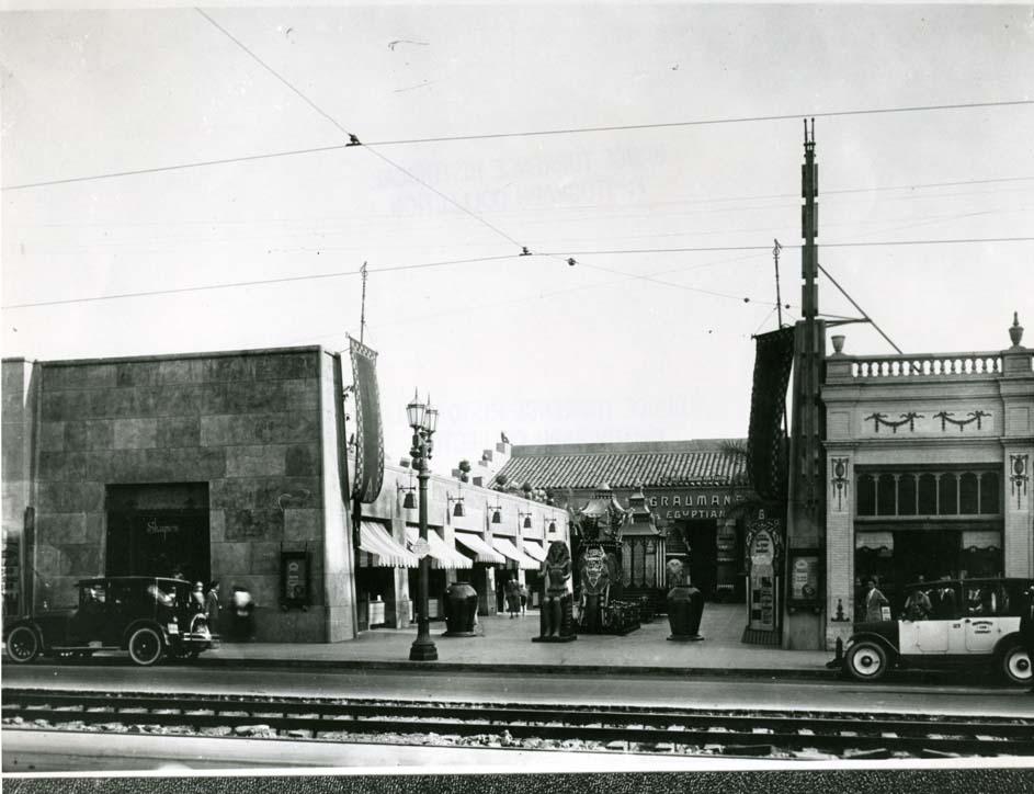 Early photo of Grumman's Egyptian Theater