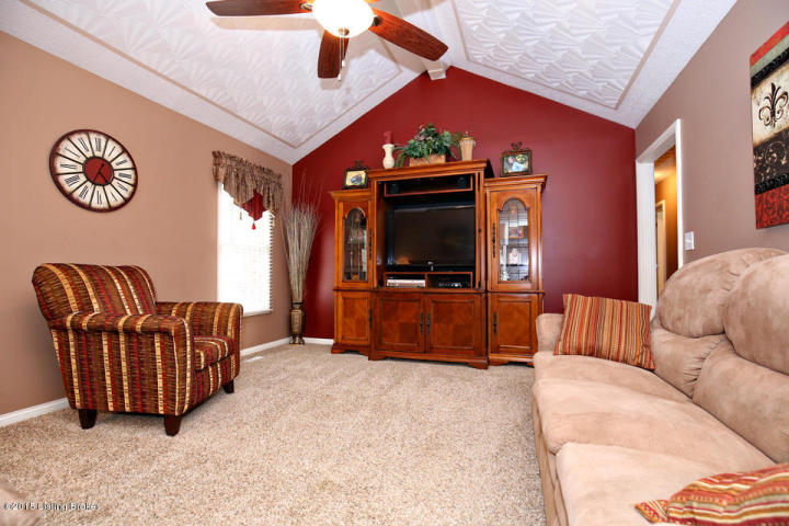 Great Room - 7208 Apple Mill Dr.