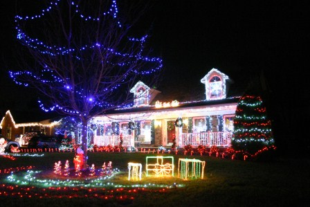 Windemere Place Best Christmas Lights in Louisville