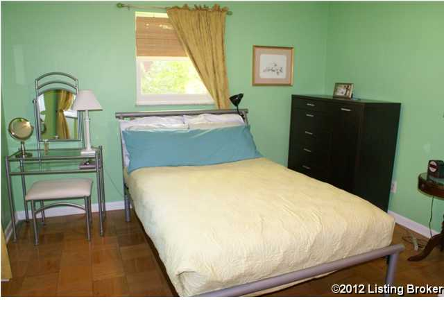 410 Chenoweth Lane bedroom 2
