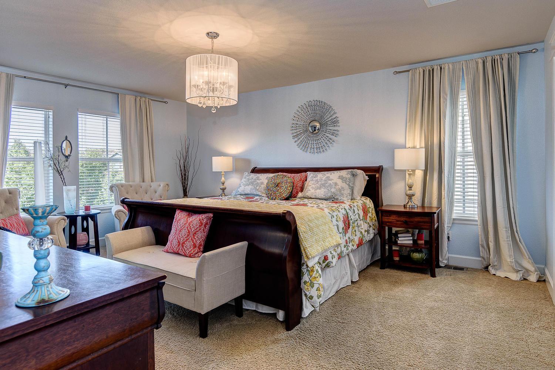 10398 E. 28th Avenue Master Suite